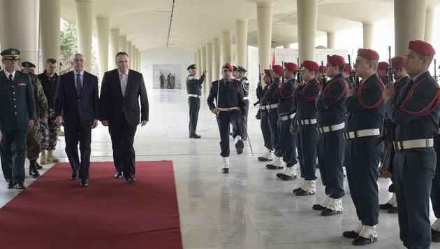 Verteidigungsminister Hans Peter Doskozil mit seinem libanesischen Amtskollegen Samir Moqbel (Bild: APA/BUNDESHEER/PUSCH)
