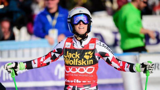 Eva-Maria Brem greift nach einzigem Damen-Kristall (Bild: AFP or licensors)