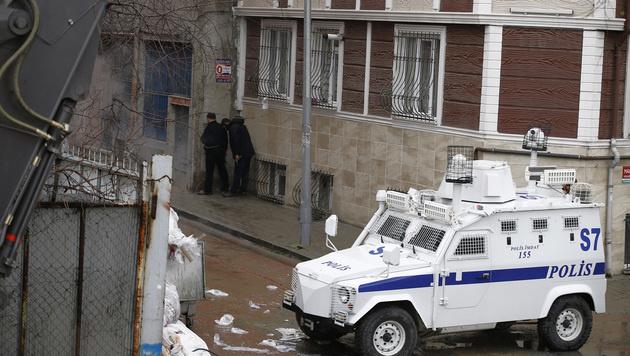 Istanbul: Frauen nach Angriff auf Polizei get�tet (Bild: AP)