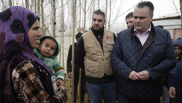 Verteidigungsminister Hans Peter Doskozil beim Besuch eines libanesischen Fl�chtlingslagers (Bild: Bundesheer/Pusch)