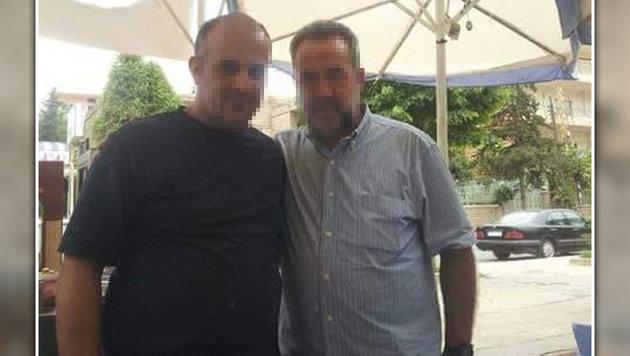 Abbas A. (links) ist Führer eines Ablegers der Terrormiliz Hisbollah in Syrien. (Bild: mujremon.com)