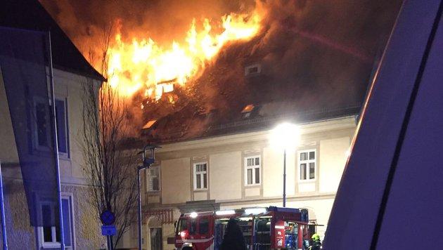 Der Dachstuhl brannte lichterloh. (Bild: BFV Deutschlandsberg)