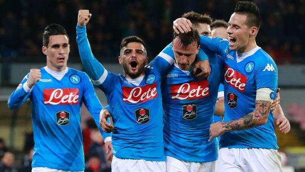Napoli schloss mit 3:1 gegen Chievo zu Juve auf (Bild: AFP or licensors)