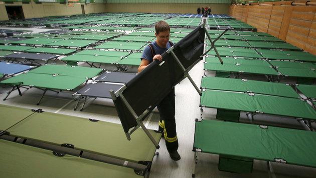 Österreich: 20 Tonnen Hilfsgüter für Griechenland (Bild: APA/dpa/Fredrik Von Erichsen)