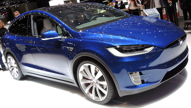 tesla model x neue preise und online konfigurator mehr akku mehr euro auto. Black Bedroom Furniture Sets. Home Design Ideas