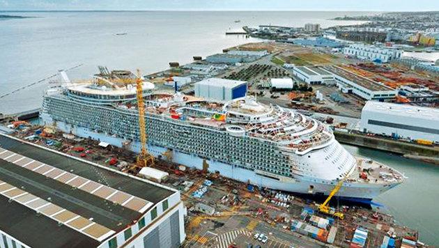 """Die """"Harmony of the Seas"""" wurde in der französischen Werft STX gebaut. (Bild: RCL Cruises Ldt.)"""