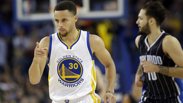 Stephen Curry (links) (Bild: APA/AFP/GETTY IMAGES/EZRA SHAW)