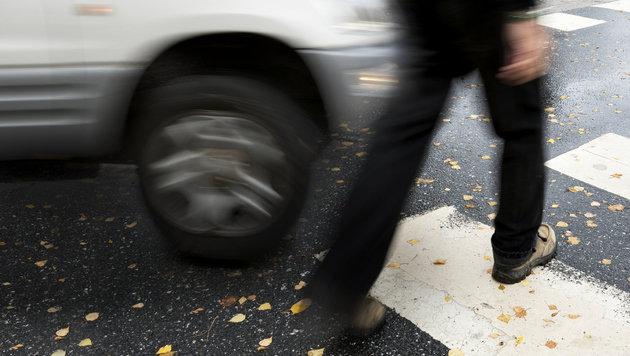 66-Jähriger auf Schutzweg von Auto erfasst - tot (Bild: thinkstockphotos.de)