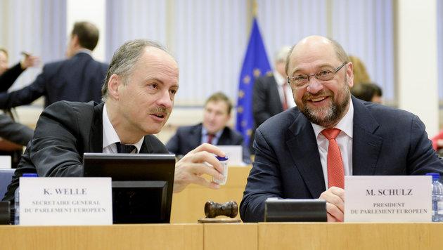 Klaus Welle (links) und Martin Schulz, der Pr�sident des Europ�ischen Parlaments (Bild: European Union 2015, Source : EP)