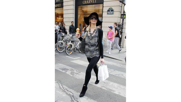 Bei Paris Hilton wird sogar das Eis zum Accessoire. (Bild: Viennareport)