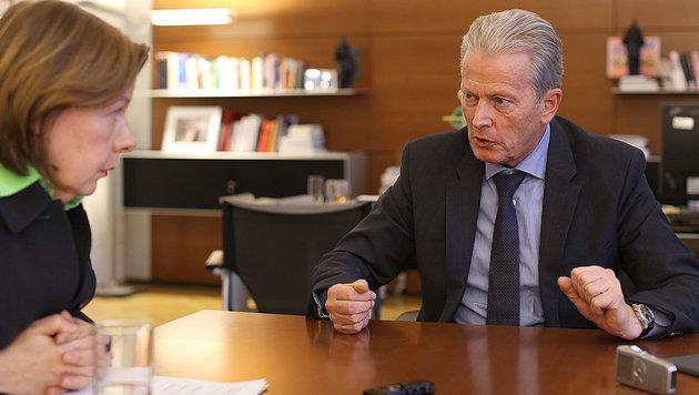 Conny Bischofberger im Gespräch mit Reinhold Mitterlehner (Bild: Gerhard Bartel)