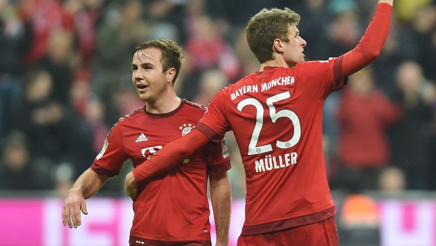 Mario Götze (links) neben Thomas Müller (Bild: APA/AFP/CHRISTOF STACHE)