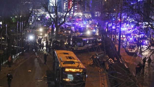 Ankara: Radikale Kurden bekennen sich zu Anschlag (Bild: AP)