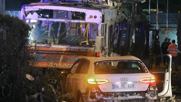 Dutzende Tote bei Anschlag im Zentrum von Ankara (Bild: APA/AFP/ADEM ALTAN)