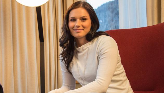 """Anna Fenninger verneigt sich: """"Ich bewundere Lara"""" (Bild: GEPA)"""