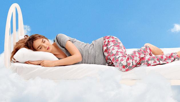 Auf welcher Seite schläft sich's besser? (Bild: thinkstockphotos.de)