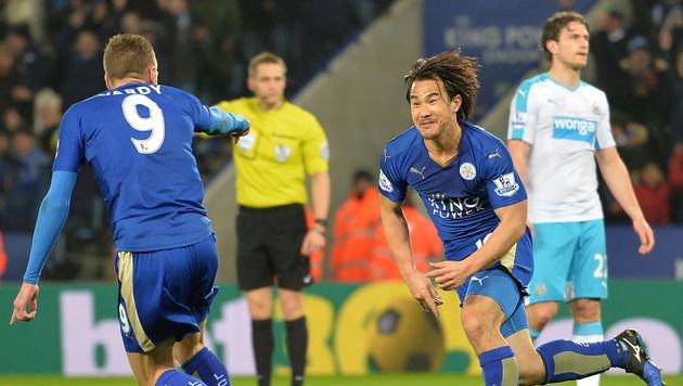 Okazaki-Traumtor lässt Leicester jubeln (Bild: AFP)