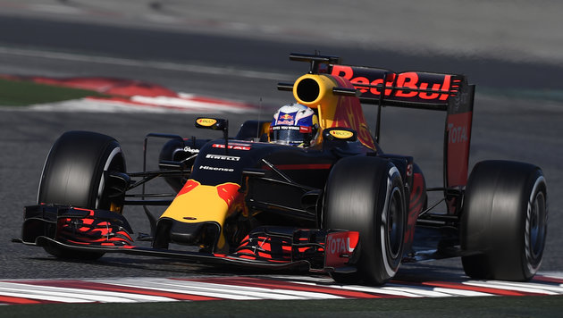 Red Bull hofft: Nie wieder ein Jahr wie 2015 (Bild: APA/AFP/LLUIS GENE)