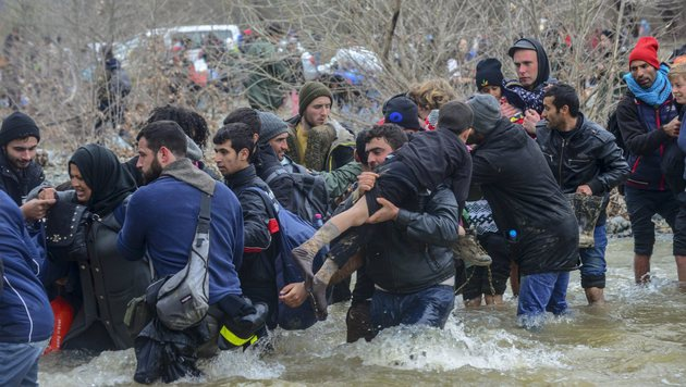 Auch Kinder sind unter den Fl�chtlingen. (Bild: EPA/NAKE BATEV)