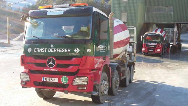 Dieser Mischwagen wurde von Profis gestohlen und wird jetzt fieberhaft gesucht. (Bild: Derferser)