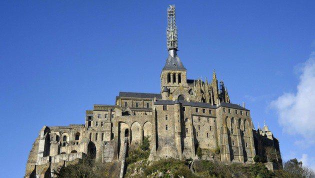 Das Kloster gilt als eine wichtige Touristenattraktion in Nordfrankreich. (Bild: APA/AFP/DAMIEN MEYER)