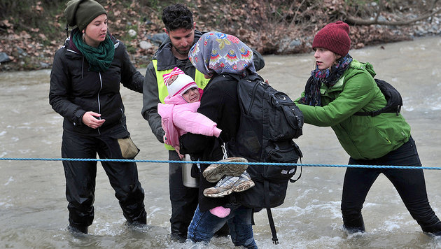 Idomeni: So provozierten Aktivisten das Grenzdrama (Bild: AFP)