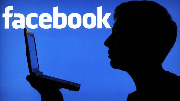 Schlepper bot Dienste auf Facebook an: Verhaftet (Bild: dpa)