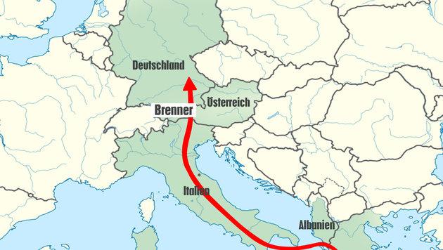 Fl�chtlinge per Flugzeug nach Italien gebracht (Bild: Krone-Grafik)