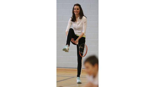 Herzogin Kate bei einem Tennis-Workshop für Kinder (Bild: Viennareport)