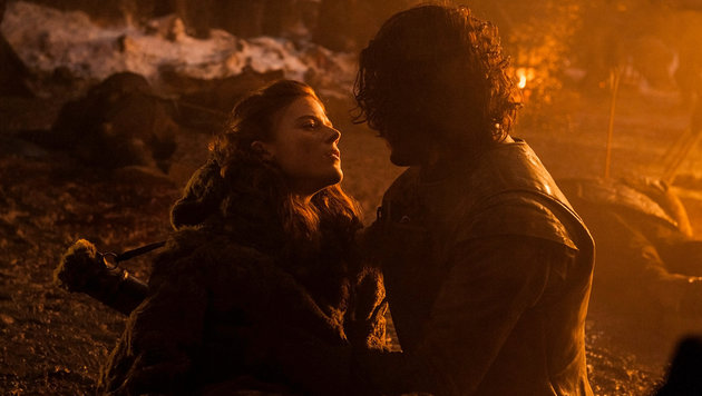 "Rose Leslie und Kit Harington in ""Game of Thrones"" (Bild: HBO)"