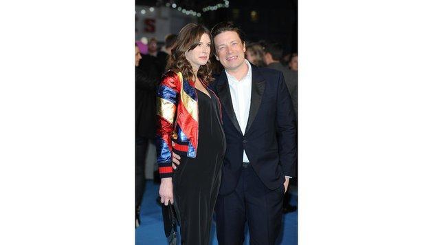 """Jamie Oliver mit seiner schwangeren Frau Jools bei der """"Eddie the Eagle: Alles ist möglich""""-Premiere (Bild: www.viennareport.at)"""