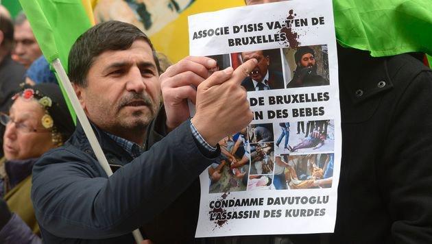 """Die Kurden warnen vor einem EU-Deal mit dem """"Terroristen Erdogan"""". (Bild: APA/AFP/JOHN THYS)"""