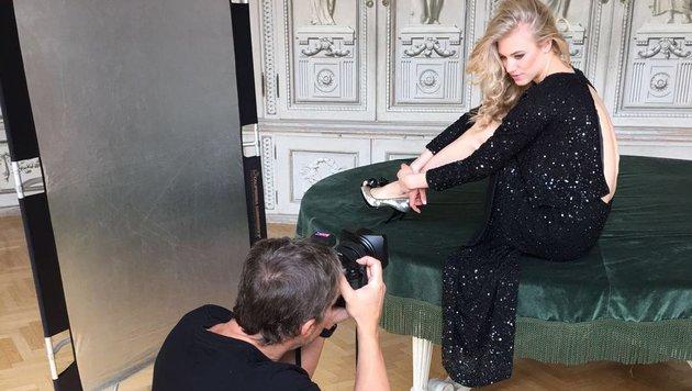 Manfred Baumann bat Larissa Marolt zum Fotoshooting. (Bild: Manfred Baumann)