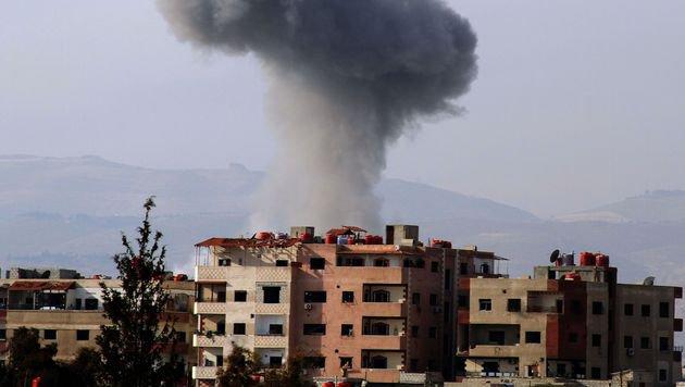Die Stadt Daraya unter Beschuss des IS (Bild: AFP/picturedesk.com/Fadi Dirani)