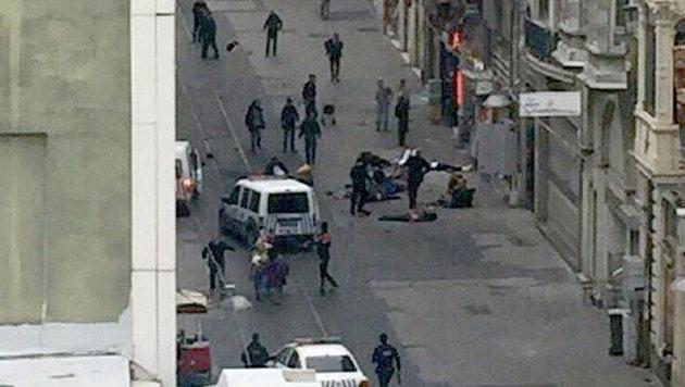 Istanbul: Blutiger Anschlag auf Einkaufsstraße (Bild: CNN Kurd)