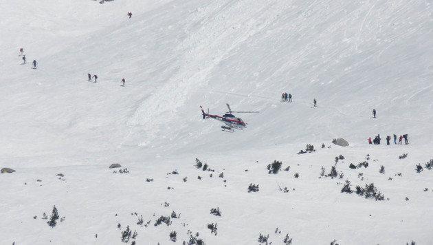 Vater und Sohn bei 200-Meter-Absturz getötet (Bild: APA/ZOOM.TIROL)