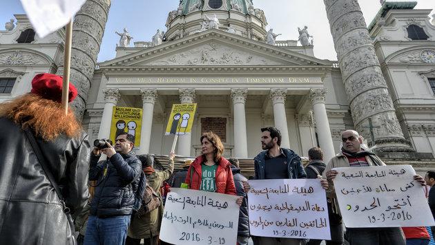 "Demo in Wien: ""Flüchtlinge willkommen"" (Bild: APA/HERBERT NEUBAUER)"