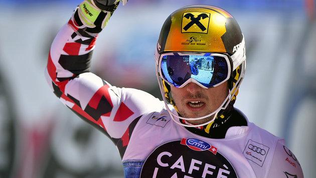 Hirscher rast beim letzten Slalom auf Platz zwei (Bild: APA/AFP/FABRICE COFFRINI)