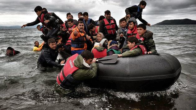 Illegale Flüchtlinge ab 4. April zurück in Türkei (Bild: APA/AFP/Aris Messinis)