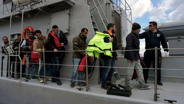Drei Fähren stehen für den Rücktransport in die Türkei zur Verfügung. (Bild: AFP)