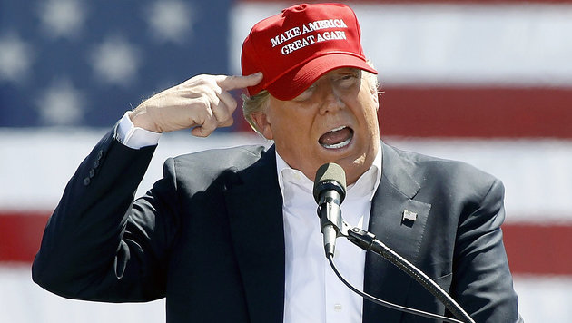 Donald Trump bei einer Rede in Fountain Hills, Arizona (Bild: APA/AFP/GETTY IMAGES/Ralph Freso)