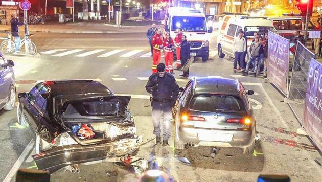 Das Heck dieses Mercedes wurde beim Anprall total zerstört. (Bild: Markus Tschepp)