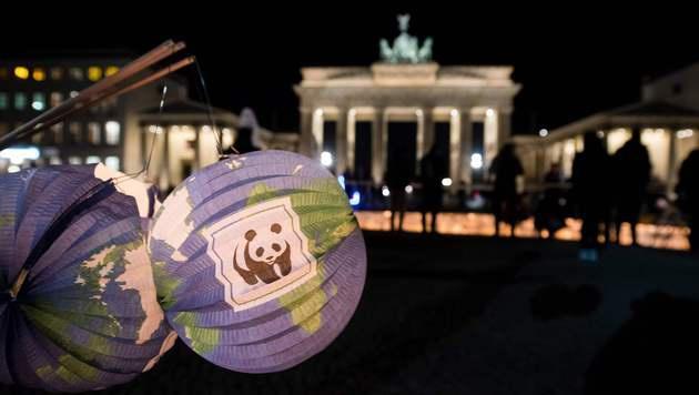 Zum zehnten Mal Licht aus für den Klimaschutz (Bild: APA/AFP/dpa/GREGOR FISCHER)