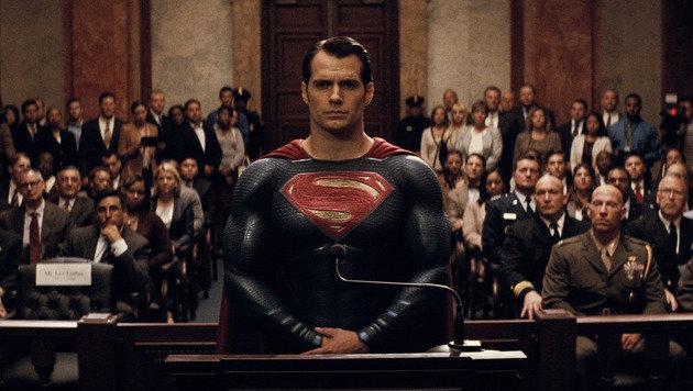 Henry Cavill: Superman mit Pipi-Reißverschluss (Bild: Warner Bros.)