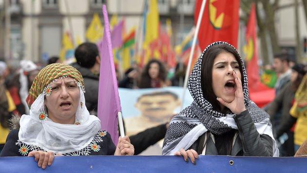 CSU-Minister befürchtet Masseneinreise von Kurden (Bild: AFP)