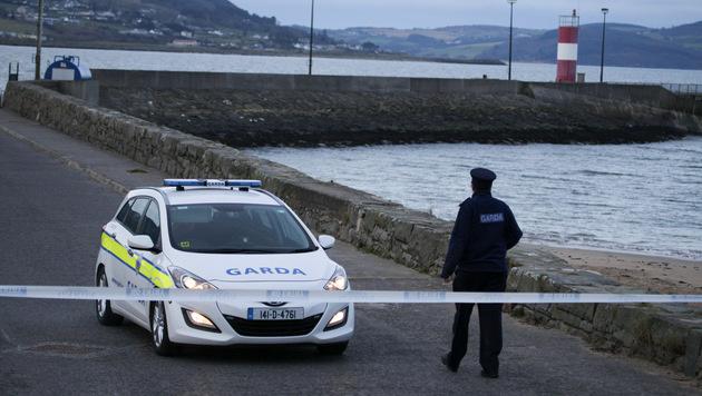 Auto von Mole ins Meer gestürzt: 5 Tote in Irland (Bild: AP)