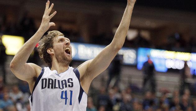 Nowitzki führt Dallas mit 40 Punkten zu Heimsieg (Bild: AP)