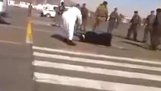 Eine Enthauptung auf offener Stra�e - in Saudi-Arabien nichts Besonderes (Bild: Liveleak.com/Theodore Shoebat)