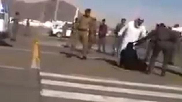 �ffentliche Enthauptung einer Frau in Saudi-Arabien (Bild: Liveleak.com/Theodore Shoebat)
