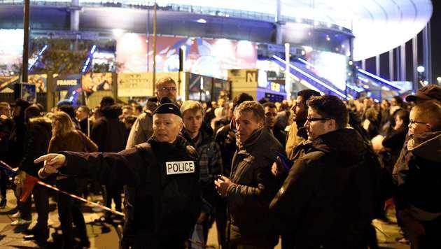 Szenerie nach dem Selbstmordanschlag nahe dem Pariser Stade de France im vergangenen November (Bild: AFP)